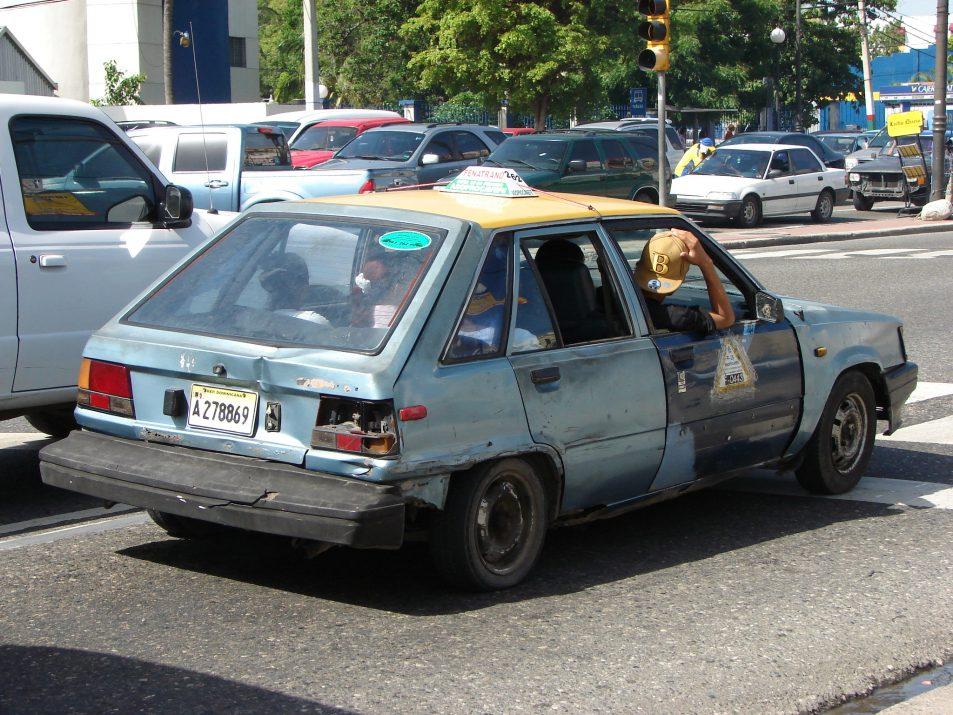 Carro publico, publiczna taksówka, popularny środek transporty w Dominikanie
