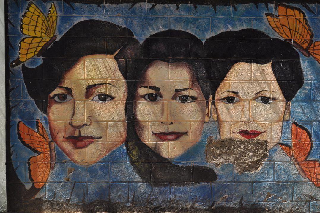 Hermanas Mirabal na muralu w Los Charamicos w Sosua