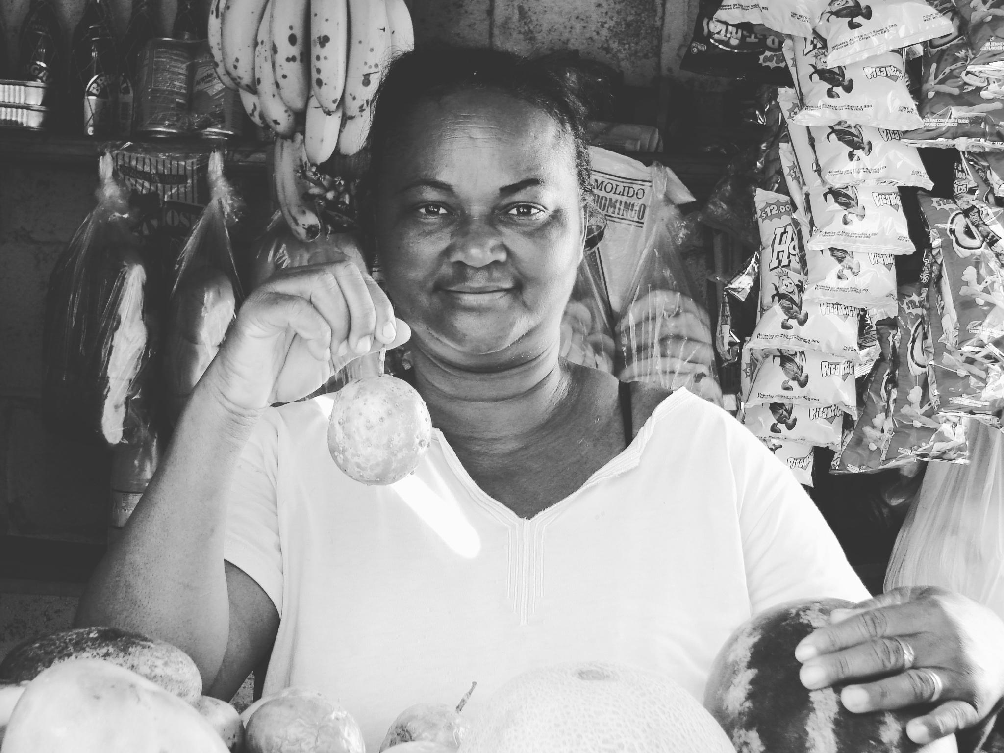 Dominikańczycy: Dominikanka sprzedaje marakuje