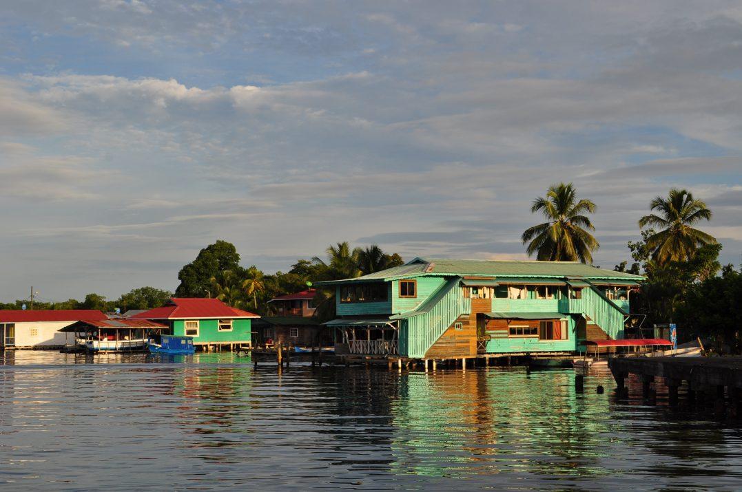 Dom na palach, Bocas del Toro, Panama
