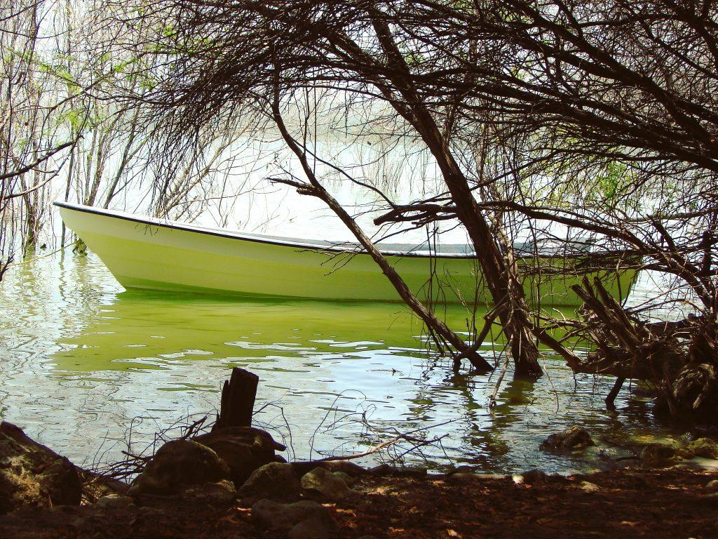 Słone jezioro Enriquillo, łódź.