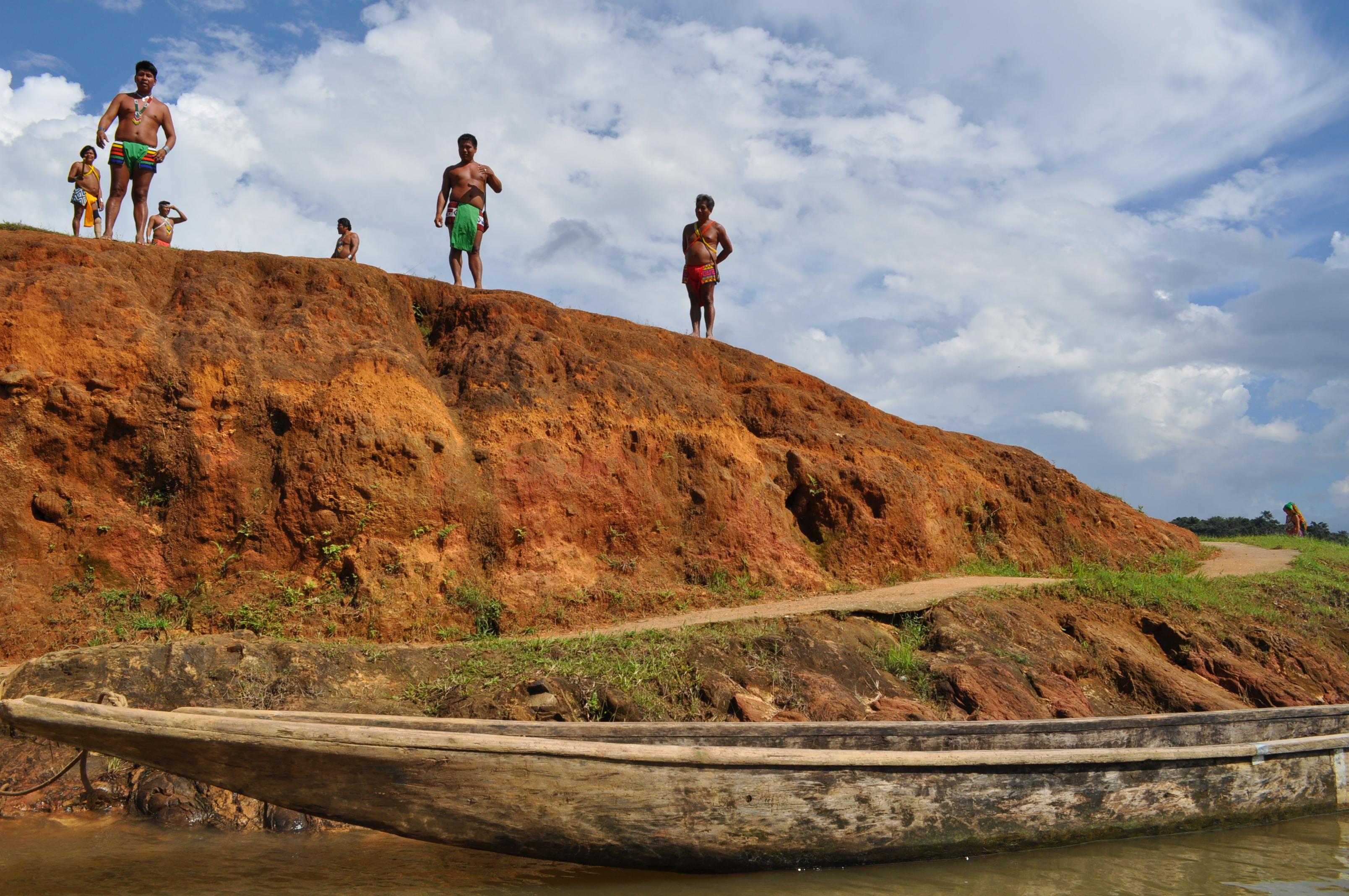 Członkowie wspólnoty, tubylcy Tusípono Emberá, Panama