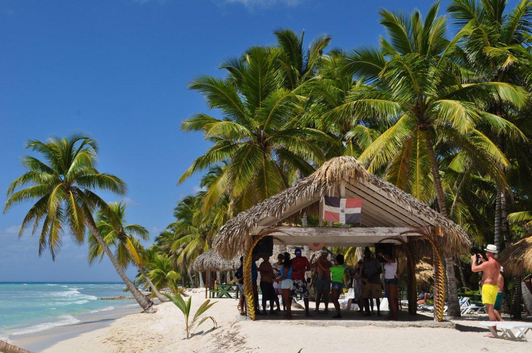 Plażą na wyspie Saona, Dominikana.